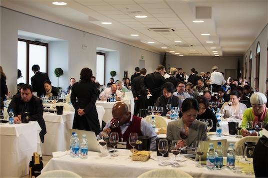 Vino Nobile di Montepulciano - sala degustacyjna